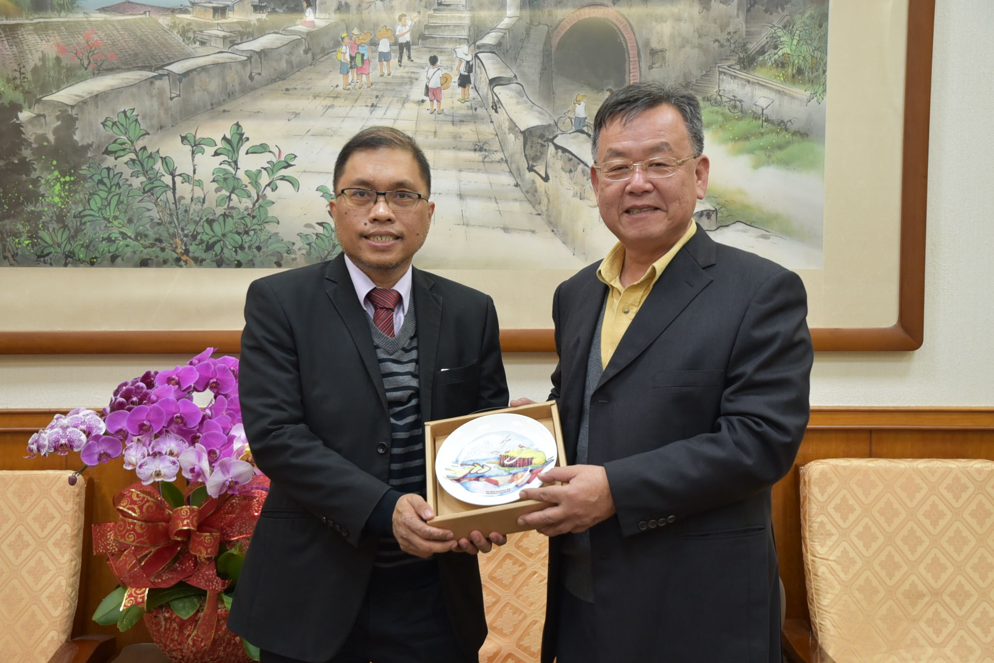 Gilberto Lauengco, Vice Chairman of the Philippine Office in Taiwan, paid a courtesy call on Lai Fengwei
